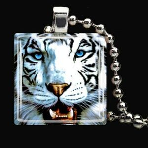 Necklace- NEW- White Tiger African Wild Animal